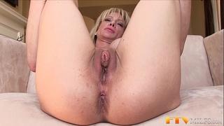 Milf shows huge clitoris