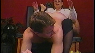 Kinky guy acquires some hardcore flogging from a bespectacled slag