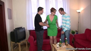 Threesome party with old hottie