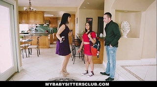 Mybabysittersclub - baby sitter receives a trio on the job