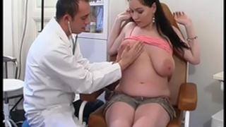 Perverse gynaecologist tastes the patient's vagina