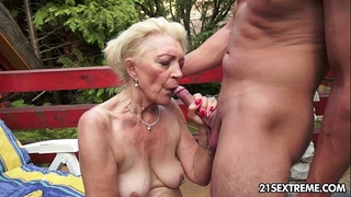Mature szuzanne plays with a youthful dick