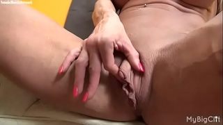 Female muscle pornstar ashlee chambers large love button