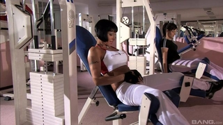 Short-haired MILF with big boobs gets DPed in the gym