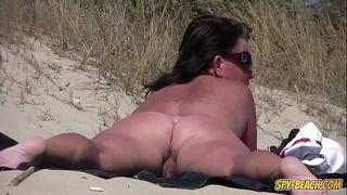 Amateur nudist voyeur corpulent milf close-up movie scene