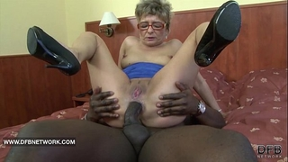 Granny craves to fuck a large dark pecker